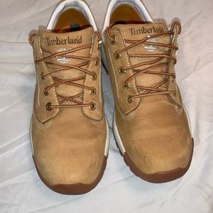 Woman's timberland low top sneakers